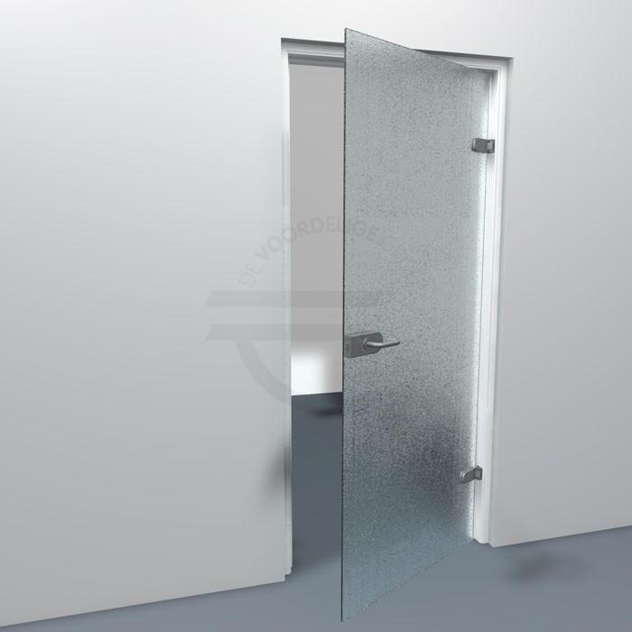 Hoe een stompe deur met crepi glas eruit ziet